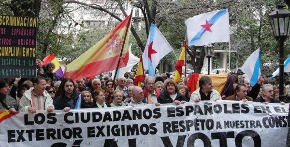 Manifestación en defensa de los derechos del voto de los emigrantes.