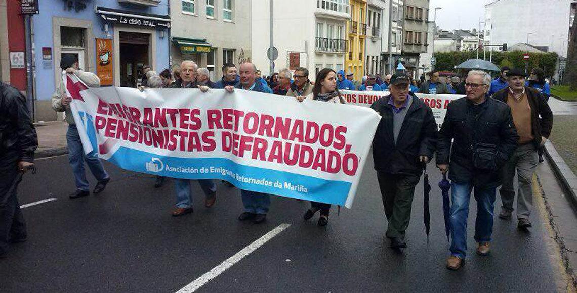 Protesta de los emigrantes retornados en contra de las sanciones a las pensiones del exterior.