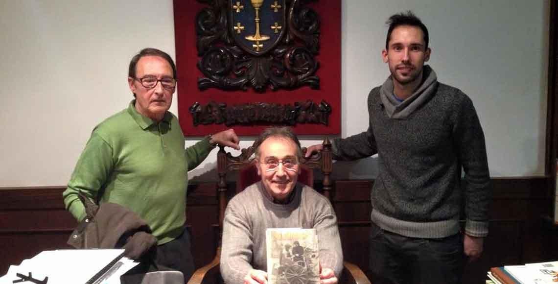 Miembros de la familia Lama, originaria de Luintra, durante su visita al Centro Galego de Barcelona.