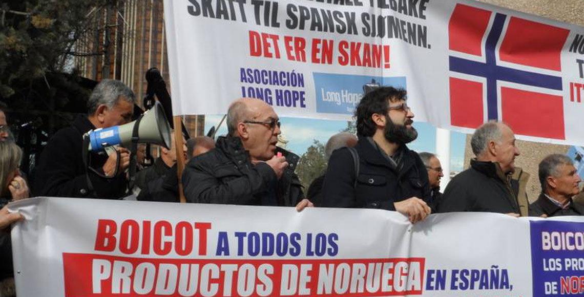 Manifestación de los marinos españoles afectados por el impago de las pensiones por parte de Noruega.