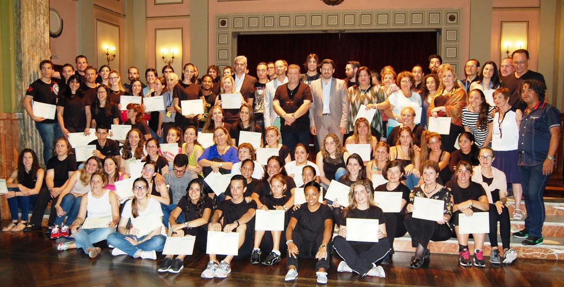 Participantes en el curso de Escolas Abertas en su edición de 2015, tras la clausura.