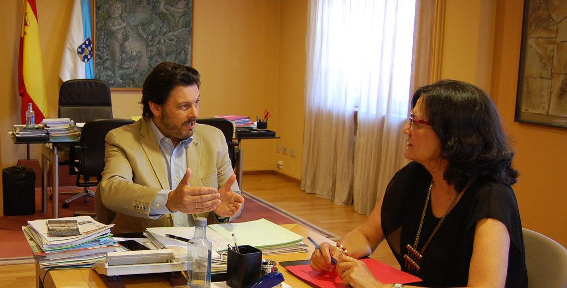 Reunión de Rodríguez Miranda con Maribel García Cañeria, de la Casa de Galicia en Córdoba.