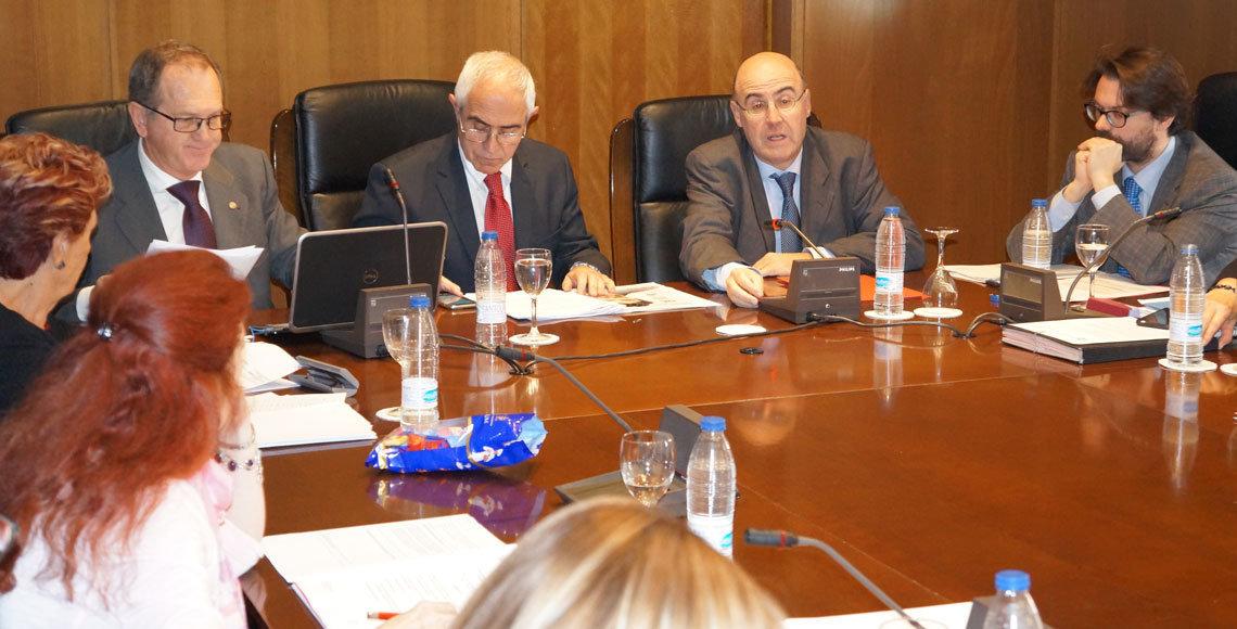 Hace falta una regeneración democrática, transparencia y despolitización de los Consejos de Españoles Residentes en el Extranjero.