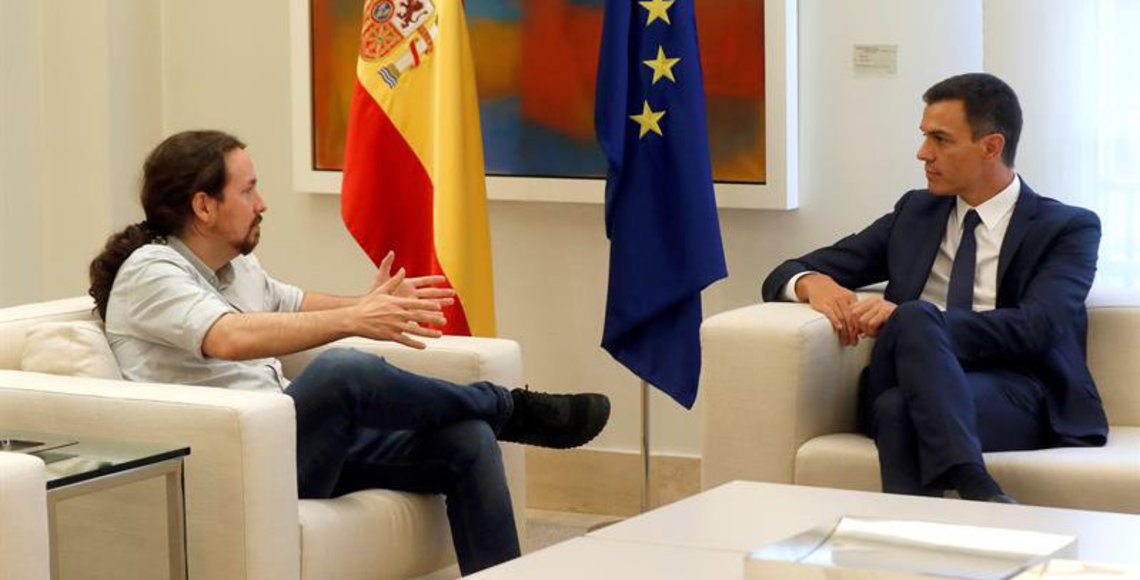 Acuerdo de Sánchez e Iglesias para eliminar el voto rogado para las próximas elecciones.